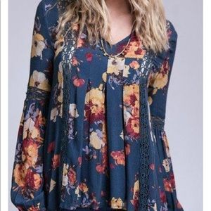 NEW! Blu Pepper Floral Bell Sleeve Top